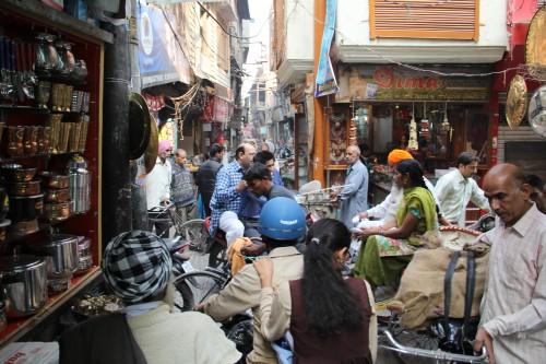 Shopping at the bazaar in Mumbai